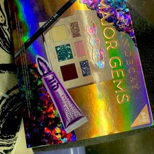 STONED VIBES PRODUCTS BY URBAN DECAY